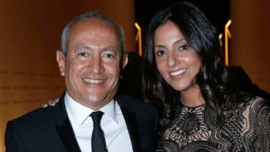 مالك نادي أستون فيلا، المصري ناصف ساويرس وزوجته شرين (صور: Getty)