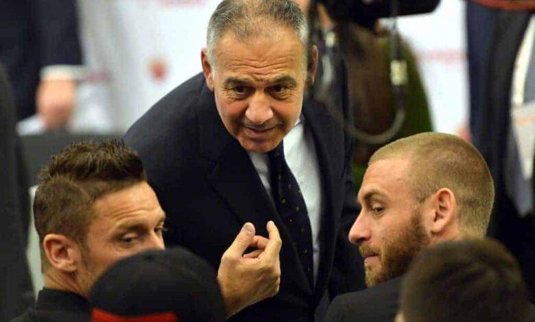 رئيس نادي روما بالوتا مع دانييلي دي روسي وفرانشيسكو توتي (صور: Getty)