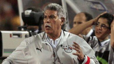 صورة إيهاب جلال يتفوق على حسن شحاته في سباق تدريب مصر