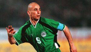 حسام حسن قائد منتخب مصر أمام المغرب في تصفيات مونديال 2002 (صور: Getty)