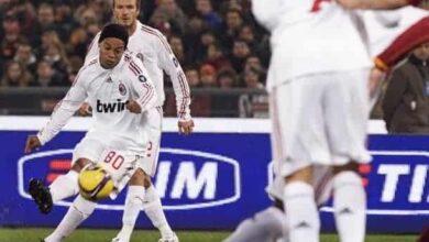 صورة رونالدينيو يعود إلى كرة القدم بعد عام كامل من التقاعد