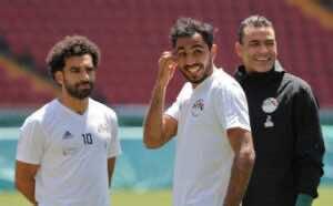 محمود كهربا مع محمد صلاح وعصام الحضري في تدريبات منتخب مصر (صور: Getty)