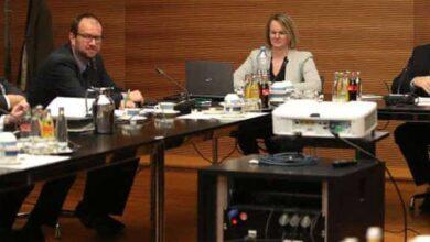 سانت باولي الألماني يفسخ عقد لاعب لأسباب سياسية