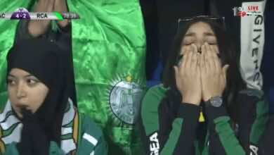 لقطة اليوم عندما دعت فتاة الرجاء فاستجاب لها القدر, مباراة الوداد والرجاء 5-5 في البطولة العربية للأندية يوم السبت 23-11-2019 (صور: TV)