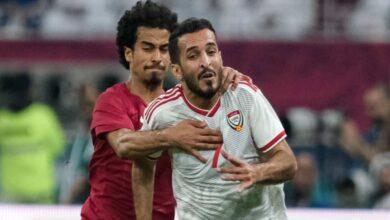 الإماراتي علي مبخوت يفوز بجائزة الهداف في خليجي 24