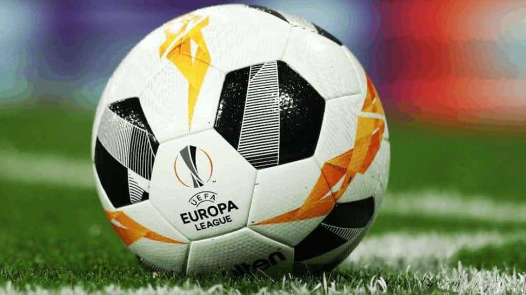 كرة بطولة الدوري الأوروبي (صور: Getty)