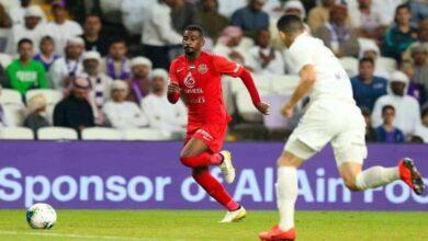 مباراة العين وشباب الاهلي دبي فى الدوري الاماراتي (صور:twitter)