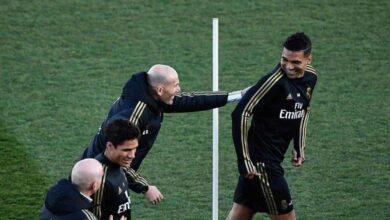 زيدان يمازح كاسيميرو في تدريبات ريال مدريد (صور: Getty)
