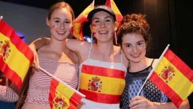 جمهور كرة القدم - مشجعات اسبانيا (صور: Getty)