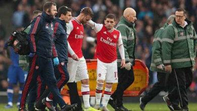 آرسنال يعلن إصابة لاعبه تشامبرز بالرباط الصليبي (صور: Getty)