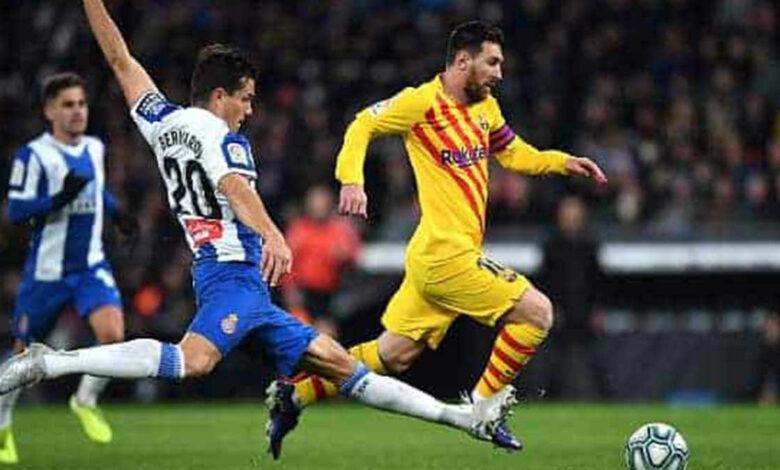 ليونيل ميسي في مباراة ديربي كتالونيا بين اسبانيول وبرشلونة (صور: Getty)