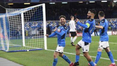 رقصة ميرتنس في مباراة نابولي وبرشلونة بثمن نهائي دوري ابطال اوروبا (صور: Marca)