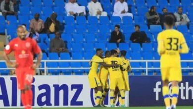 احتفال لاعبي فريق التعاون السعودي بتسجيل الهدف الاول فى مرمي الدحيل القطري بدوري ابطال اسيا (صور:twitter)