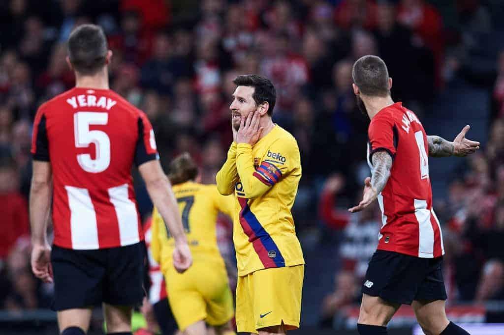حسرة ميسي بعد خسارة برشلونة أمام أثلتيك بلباو في ربع نهائي كأس ملك إسبانيا 2020 (صور: Getty)