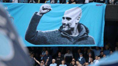 جوارديولا في مدرجات مانشستر سيتي (صور: AFP)