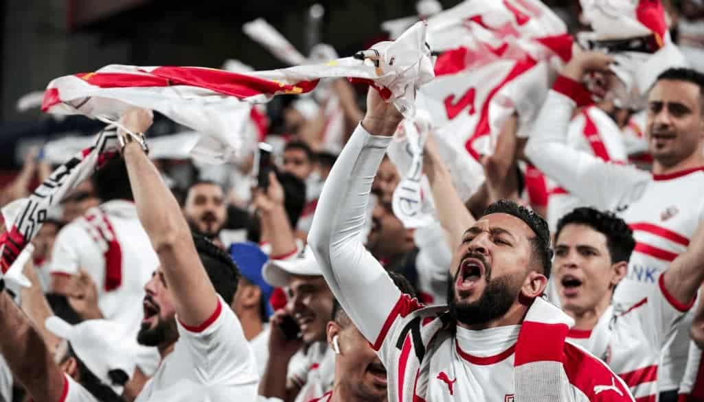 جمهور الزمالك في مباراة كأس السوبر المصري 2019 أمام الأهلي (صور: AFP)