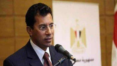 صورة وزير الرياضة المصري يرفض إيقاف الدوري المحلي