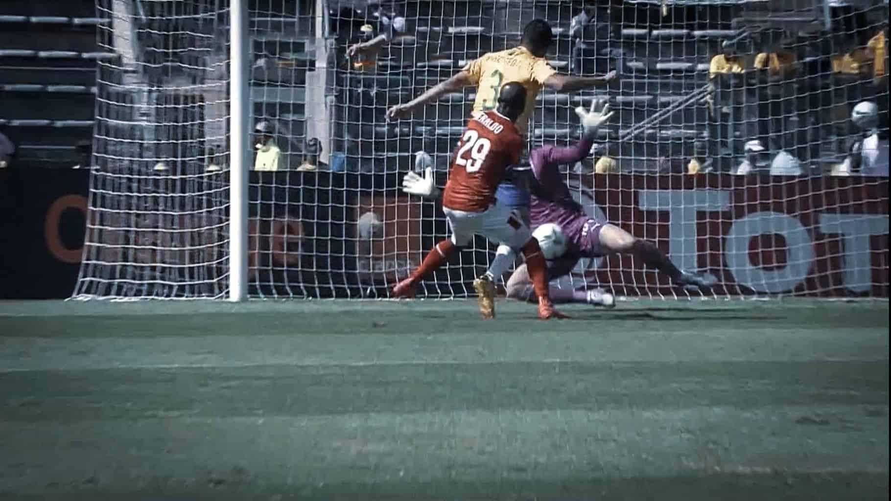 حارس الأهلي محمد الشناوي يتألق أمام صنداونز في إياب ربع نهائي دوري أبطال أفريقيا 2020 (صور: TV)