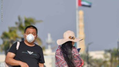 لقطة لسائحون بالامارات يرتدون الكمامة تخوفا من الكورونا (صور:Google)