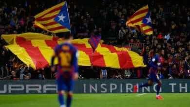صورة لاعبو برشلونة يوافقون على خفض رواتبهم بعد كارثة كورونا