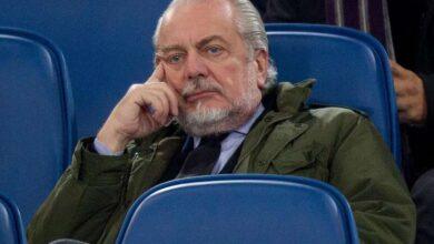 رئيس نابولي يقرر تسريح 30 موظفًا من النادي