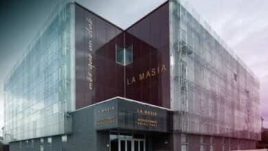 """صورة برشلونة يُحضر مكافأة لإنييستا بإطلاق اسمه على أكاديمية """"لا ماسيا"""""""