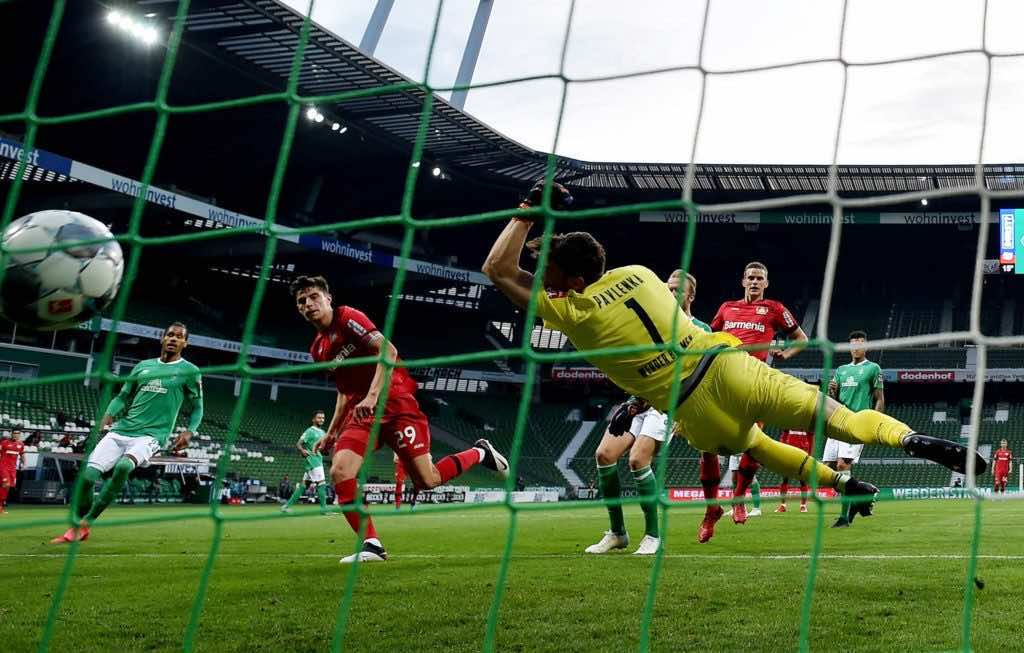 باير ليفركوزن يكتسح بريمن برباعية فى الدوري الالماني بعد فترة توقف دامت اكثر من شهرين بسبب فيروس كورونا (صور:AFP)