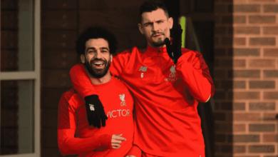 لوفرين يداعب محمد صلاح بعد ظهوره في تدريبات ليفربول