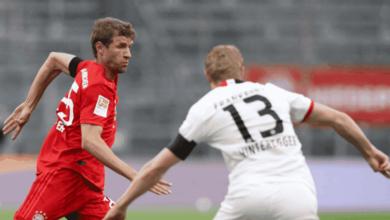 توماس مولر في مباراة بايرن ميونخ وإينتراخت فرانكفورت