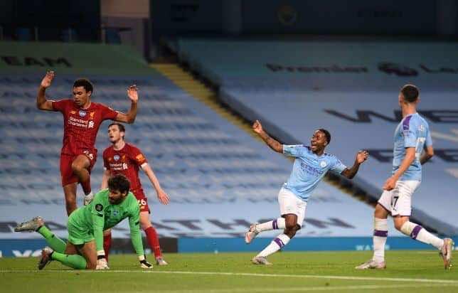 رحيم سترلينج يسجل فى شباك ليفربول على ملعب الاتحاد (صور:AFP)