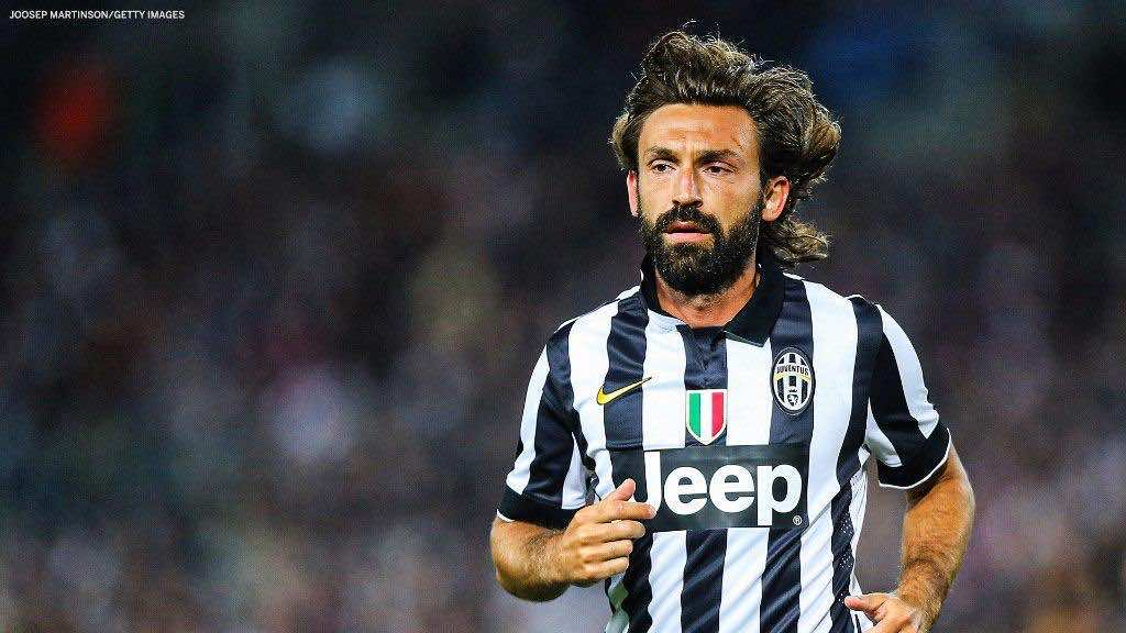 بيرلو بقميص نادي يوفنتوس الايطالي