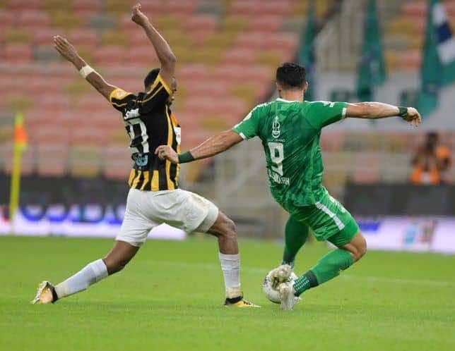 هدف السومة الثاني فى مباراة فوز الاهلي على الاتحاد بالدوري (صور:twitter)