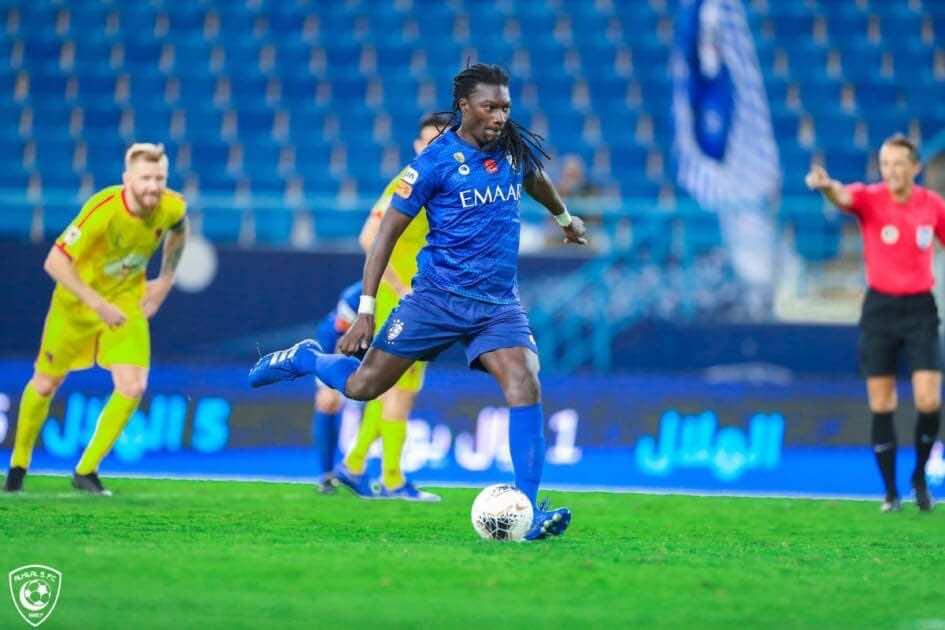 جوميز - مباراة الهلال والحزم فى الدوري السعودي (صور:twitter)