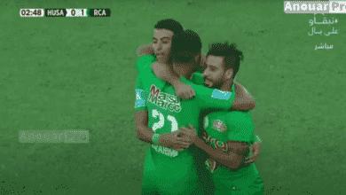 فرحة محسن متولي وسفيان رحيمي بهدف التقدم أثناء مباراة الرجاء وحسنية أكادير بالدوري المغربي