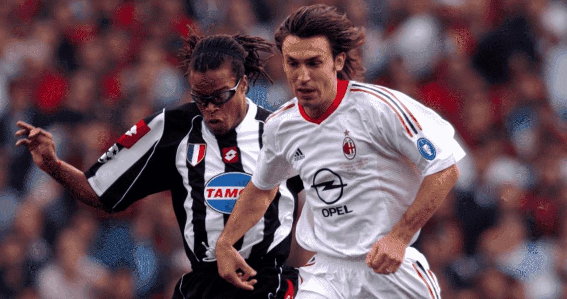 آندريا بيرلو وإدغار ديفيدز في نهائي دوري أبطال أوروبا 2003 على ملعب أولد ترافورد في مانشستر - صور Getty