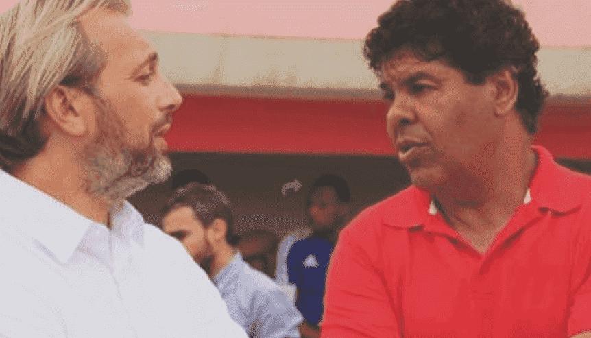 مدرب الوداد السابق محمد سهيل مع المدرب الفرنسي سيباستيان ديسابر