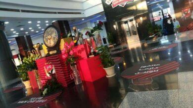 صورة صورة الصفقة الجديدة تُزين ممر استاد الاهلي