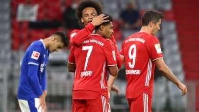 صورة شالكه يشرب من كأس برشلونة ويخسر بثمانية أهداف أمام بايرن ميونخ في افتتاح الدوري الألماني