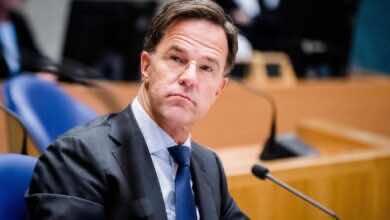 صورة الحكومة الهولندية تطالب الجماهير بألتزام الصمت في المدرجات