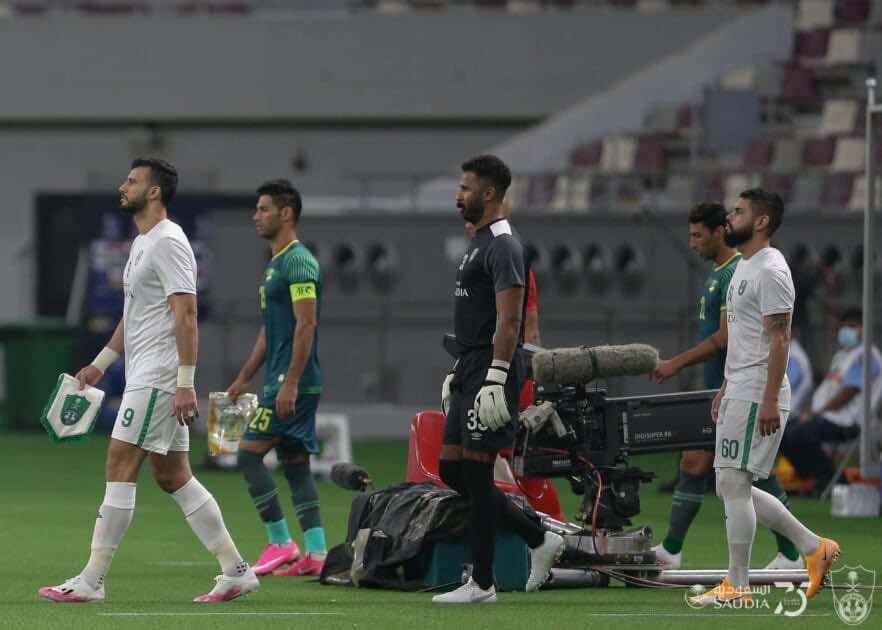 صور مباراة الاهلي السعودي والشرطة العراقي - دخول لاعبي الفريقين ملعب المباراة