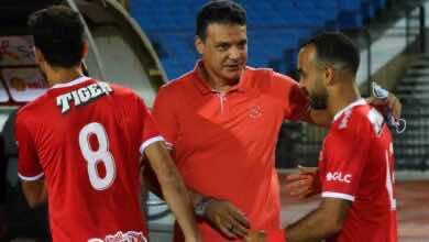 صورة إيهاب جلال: كنا نستحق الفوز على الأهلي حتى بعد الطرد!