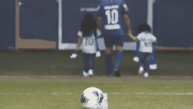صورة الدوري السعودي: محمد الشلهوب يعتزل كرة القدم بمساعدة بناته
