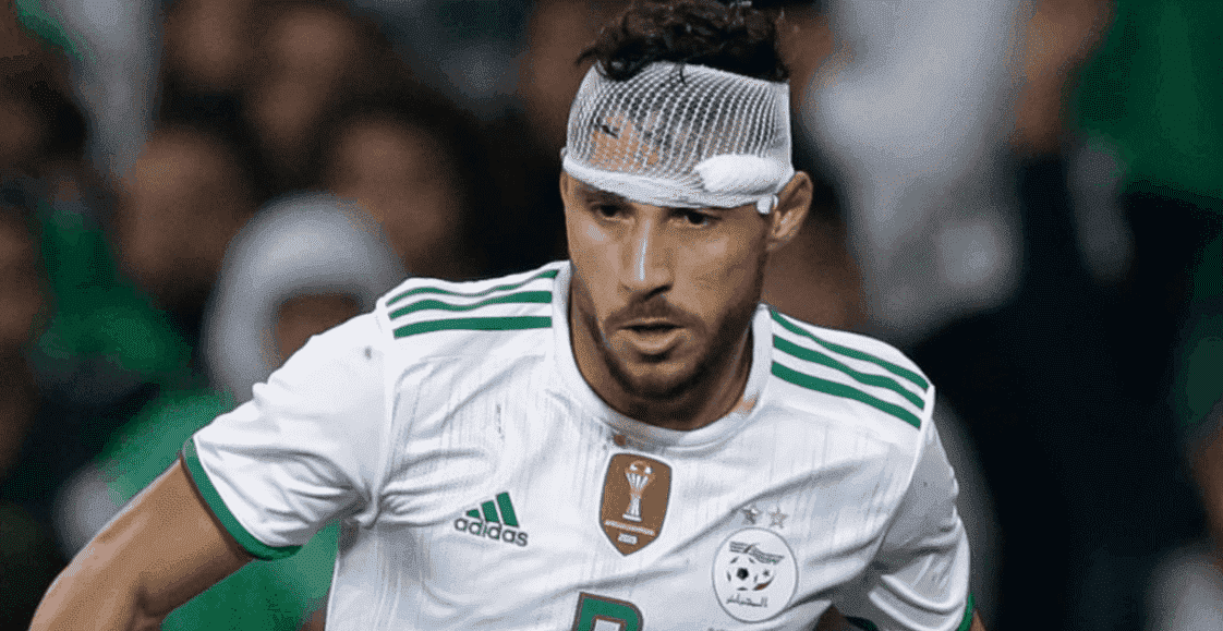 يوسف بلايلي لاعب أهلي جدة ومنتخب الجزائر (صور: Getty)