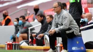 """صورة ما سر جلوس مارسيلو بيلسا على مقعد خاص به في المباريات """"الدلو""""؟"""