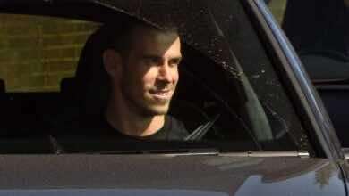 صورة جاريث بيل يصل إنجلترا..وجمهور ريال مدريد يتنفس الصعداء