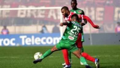 صورة تعادل مخيب للوداد أمام الرجاء يقلص من حظوظه في التتويج بلقب الدوري المغربي
