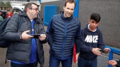 تشيلسي يسجل بيتر تشيك في قائمة الدوري الإنجليزي كحارس طوارئ