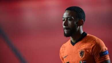 برشلونة يسعى إلى التخلص من لاعبين من أجل تمويل صفقة ديباي..
