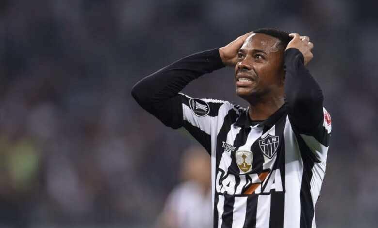 """سانتوس يفسخ عقده مع روبينيو بسبب قضية """"اغتصاب"""""""
