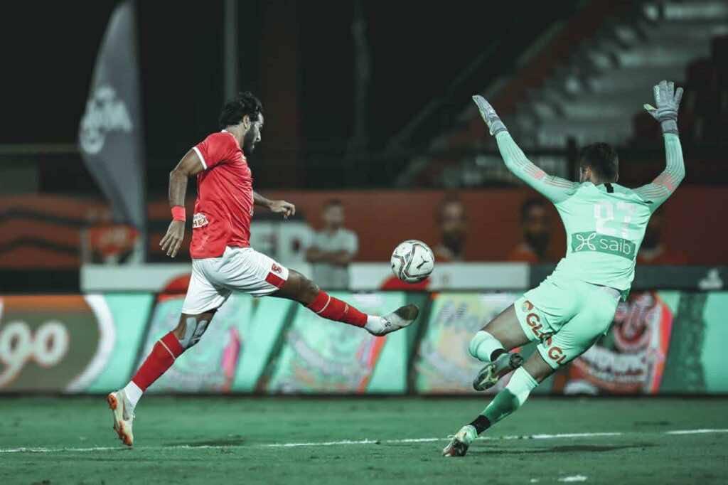 صور مباراة الاهلي وانبي - اللحظة التي سجل فيها مروان محسن الهدف الاول